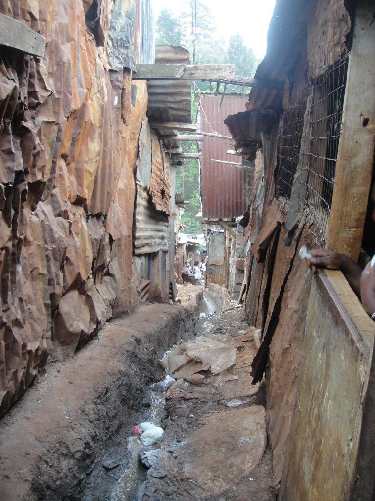 slum nairobi1-min (1)